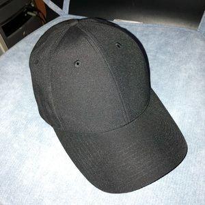 Aritzia Black Cap - Jaleh Hat
